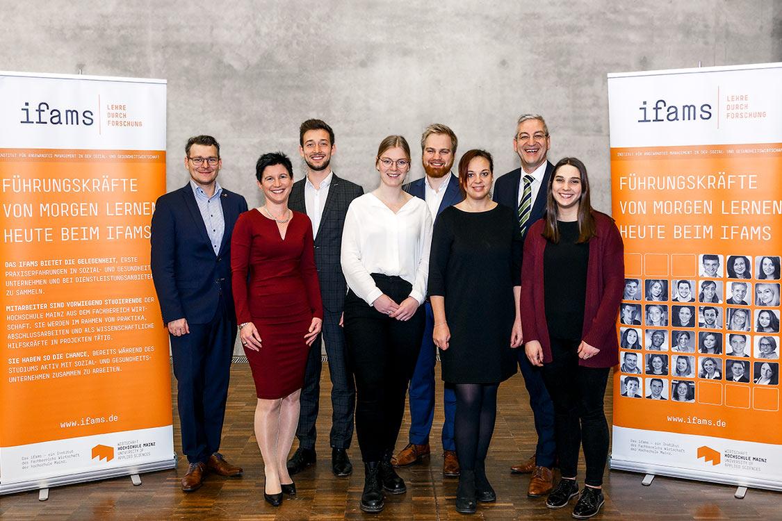 Ein dynamisches Team auf einer Taagung in Mainz